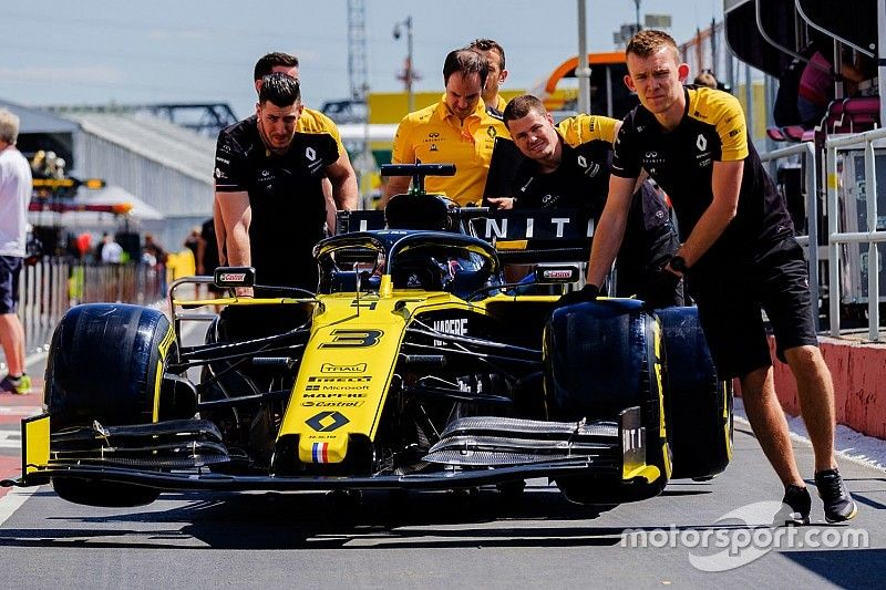 """Renault: F1 """"like a bad student"""" in delaying 2021 rules"""