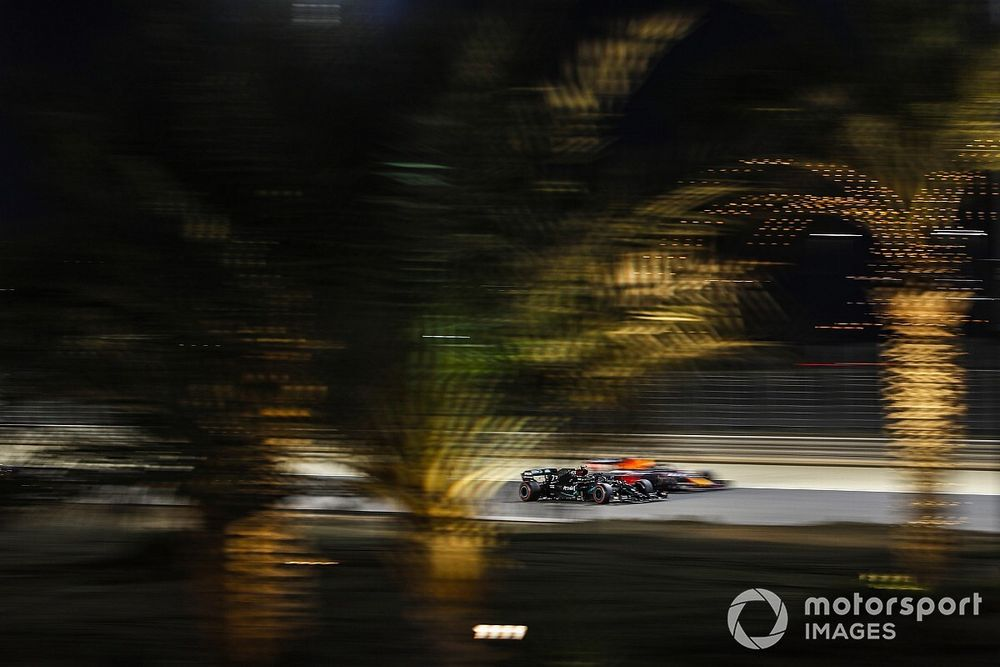Bottas le quita una pole de locura a Russell y Verstappen en Sakhir