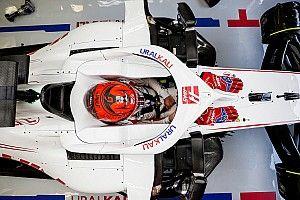 Teljes valójában is bemutatták a Haas 2021-es autóját! (videó)