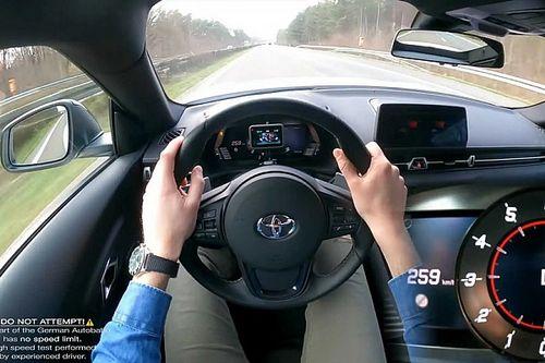 Így ugrik 0-ról 100-ra és 100-ról 200-ra a 2 literes Toyota Supra