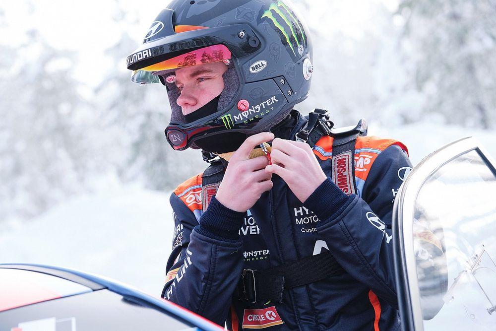 WRC: Oliver Solberg al Rally Italia su una Hyundai i20 WRC