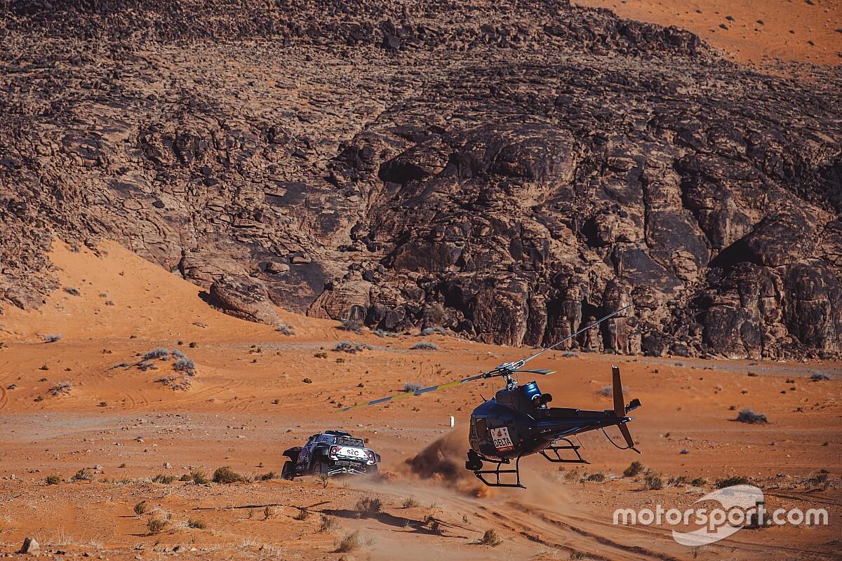 Dakar 2021: MINI y Toyota miran de reojo a Prodrive