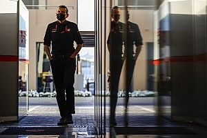Steiner: daremos a Schumacher la libertad de cometer errores