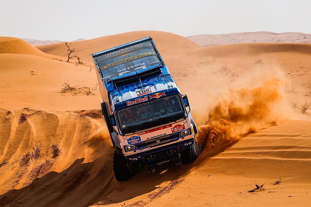Dakar, Camion, Tappa 8: terzo tris dei Kamaz