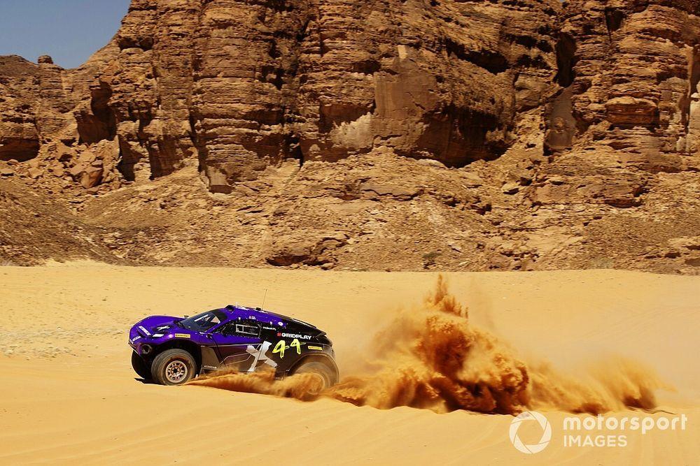 Lewis Hamilton's X44 team tops qualifying for Extreme E Desert X Prix
