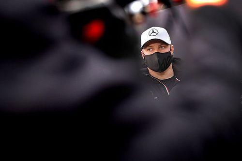 Mercedes przeprasza za żart o nietoperzu