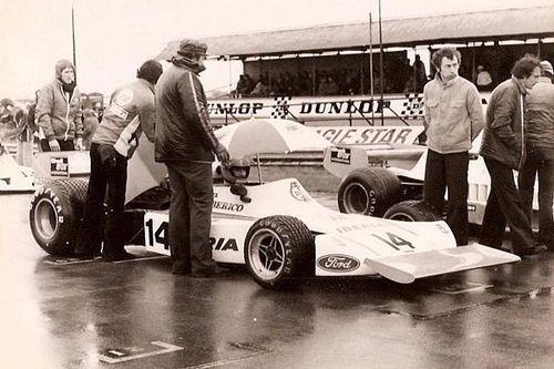 Cómo se reconstruye un F1 de los años 70