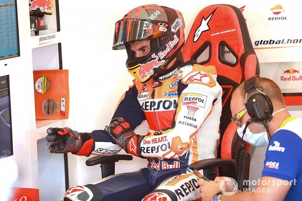 Marc Marquez, en az iki ila üç ay daha yarışamayacak!