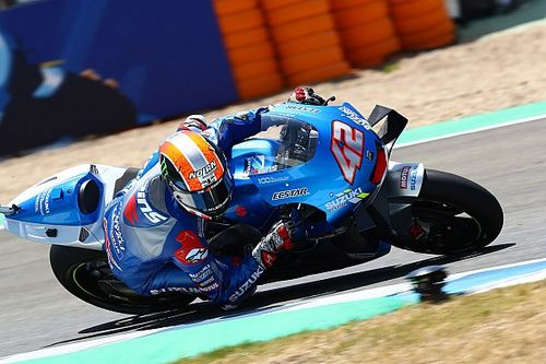 "Injured Rins ""super proud"" to finish Andalusian GP"