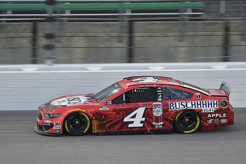 Despite late lead, Harvick 'needed a miracle' to win at Kansas
