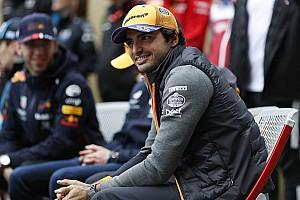 """Sainz: """"Tener un padre bicampeón del mundo solo me ha hecho mejor piloto"""""""
