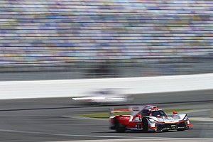Juan Pablo Montoya lidera la primera hora en Daytona