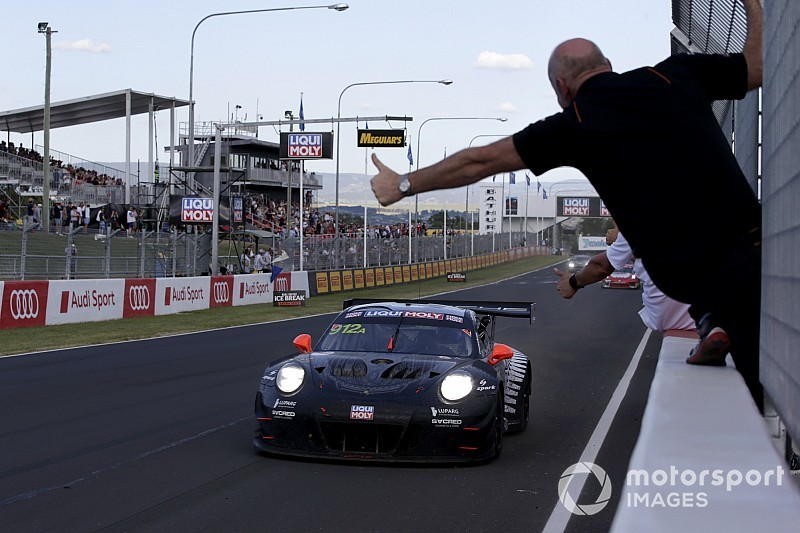 Campbell avoids penalty, keeps Bathurst win