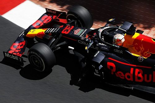 Red Bull заставила поилку работать на управляемость болида? Смелая версия от F1 TV