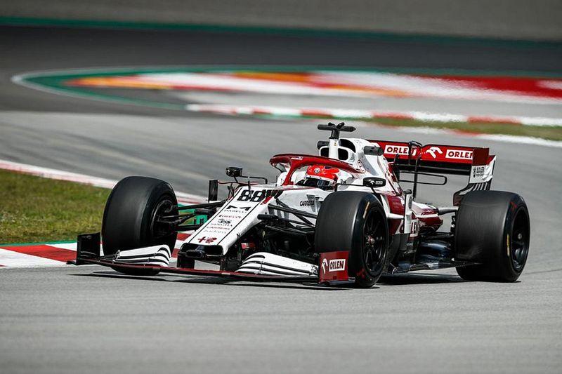 Alfa Romeo ve Red Bull, 18 inç lastik testinin ilk gününü tamamladı
