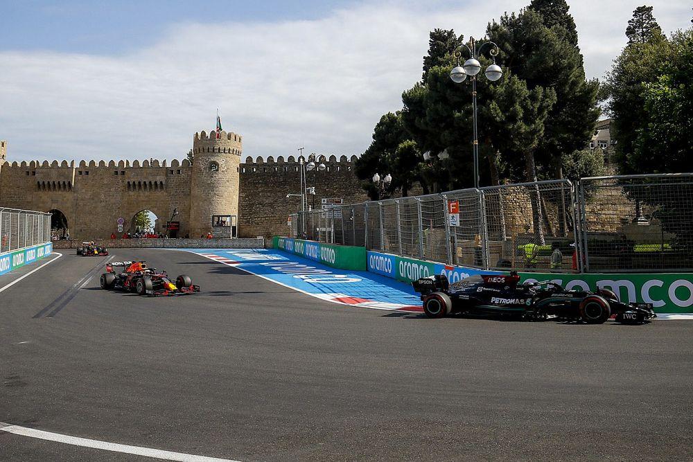 Mercedes Sering Eror akibat Tekanan Red Bull