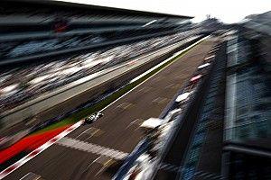 Формула 1 укоротила пятничные тренировки