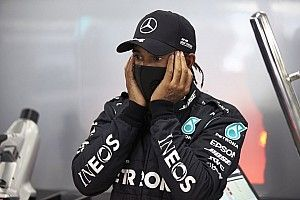 Hamilton no match for Fangio, Clark – Stewart