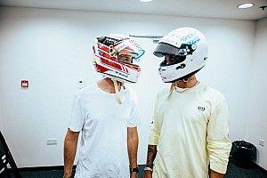 Hamilton: Vettel gibi harika bir sürücüyle kask değiştirmek benim için onur verici