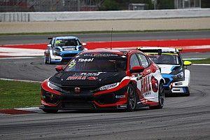 Tassi beffa Files e conquista la pole position per Gara 1 a Barcellona nella doppietta Honda