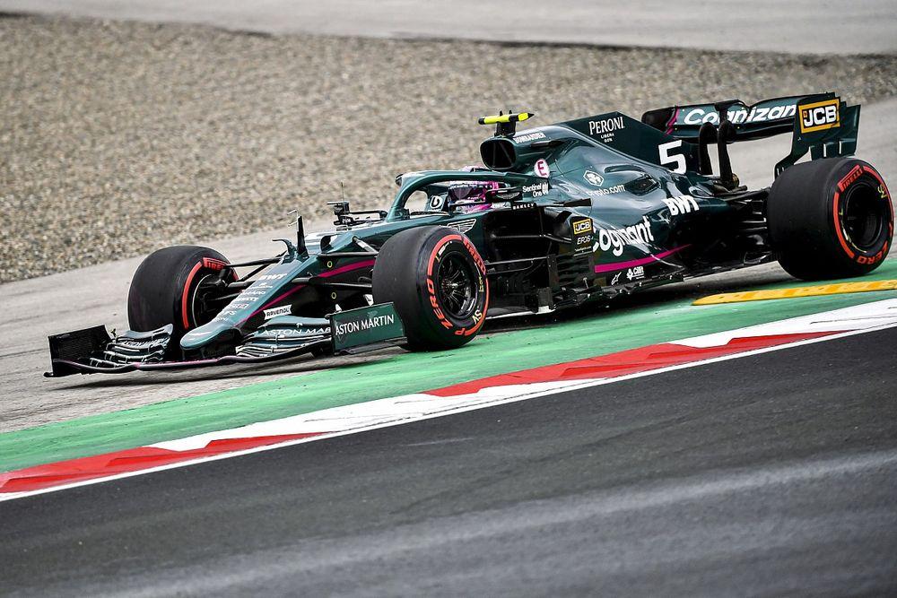 """Vettel: """"İlk virajda zorlandım"""""""