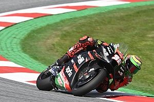 Styrian MotoGP: Savadori leads wet second practice from Zarco