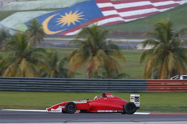 Formule 4 Nieuws F4-organisatie biedt excuses aan voor blunder na bizarre race