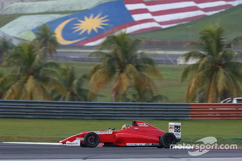 F4 organiser apologises for fuel blunder after bizarre race