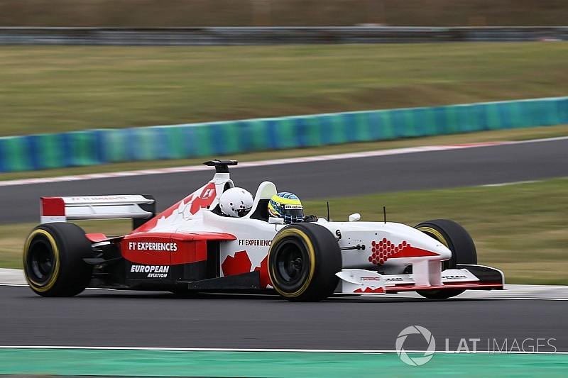 F1 2018 : Inscription à la course du 23 janvier F1-hungarian-gp-2017-zsolt-baumgartner-f1-experiences-2-seater-driver-5272074