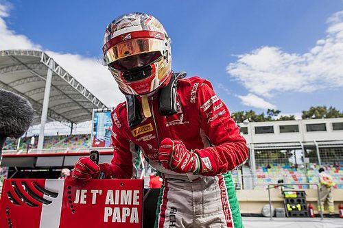 """Leclerc en pole : """"Je suis sûr que là-haut, mon père sourit"""""""