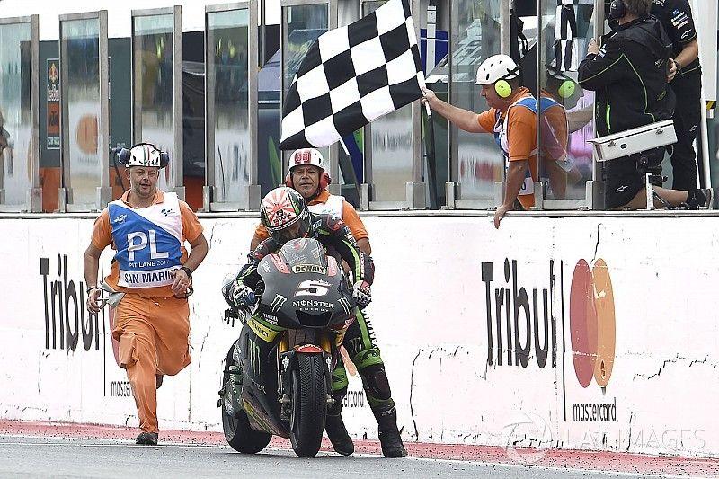 """Zarco: """"Hay cosas peores que llegar a la meta empujando la moto"""""""