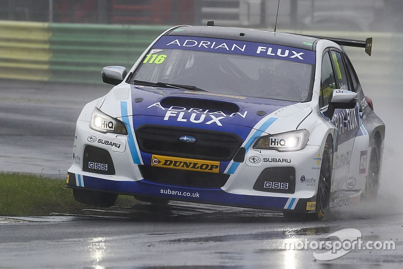 Croft BTCC: Sutton holds off Turkington for Race 1 win