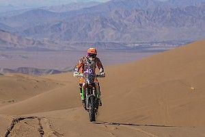 Laia Sanz vuelve a socorrer a un rival en el Rally Atacama