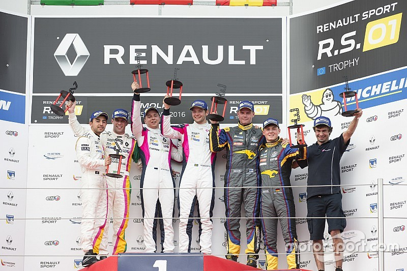 Imola si concede alla Renault di Korjus-Blomstedt