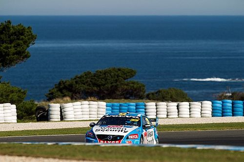 Phillip Island V8s: McLaughlin edges Mostert out for pole