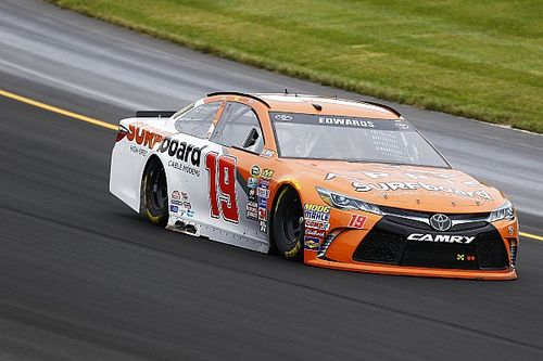 Carl Edwards tops rain-delayed Cup practice
