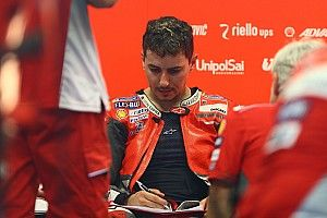 "Carlo Pernat: Lorenzos Probleme mit Ducati sind ""Kopfsache"""