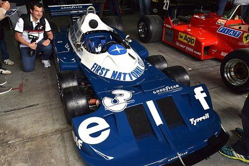 Ismét pályára gurult a hetvenes évek ikonikus, hatkerekű F1-es autója!