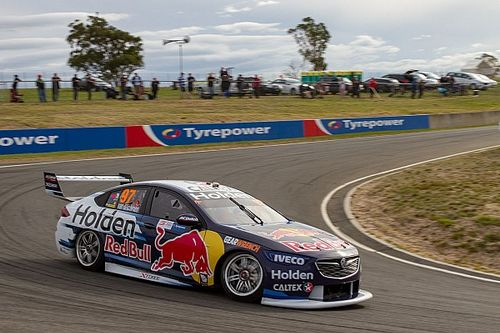 Tasmania Supercars: Van Gisbergen takes first new format pole