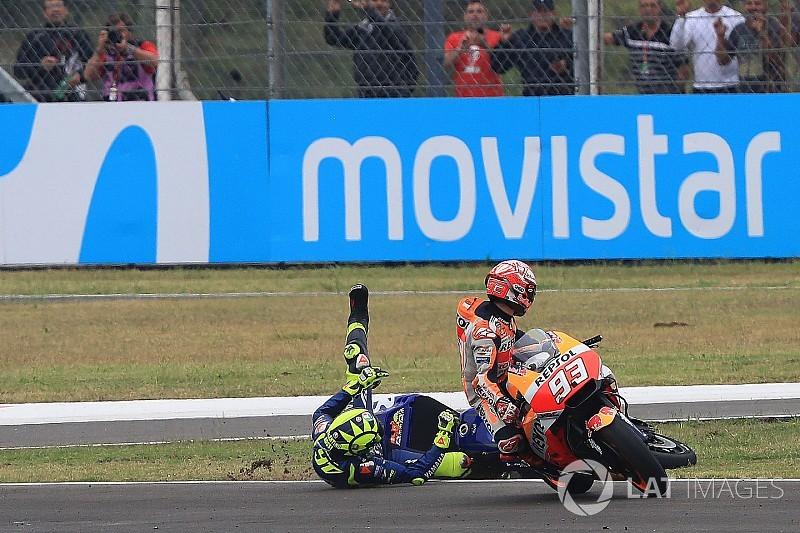 Vídeo: Rossi no acepta las disculpas de Márquez