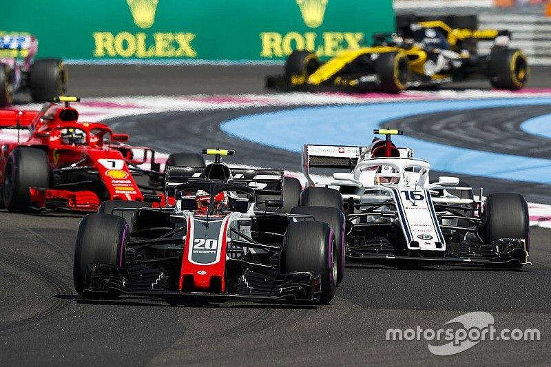A Haast semmiben nem zavarja a ferraris Alfa Romeo Racing