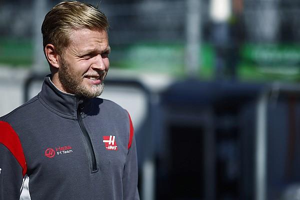 Магнуссен через розлад шлунку пропустив брифінг гонщиків
