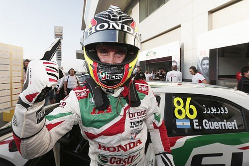 Qatar WTCC: Guerrieri takes pole, Michelisz in trouble