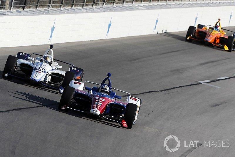 "Kanaan predicts ""boring"" Texas race, Dixon plays down worries"