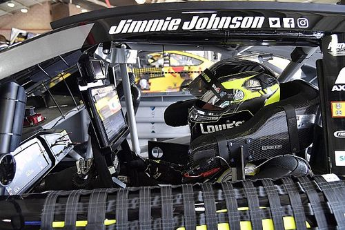 Jimmie Johnson ends top ten drought at Fontana