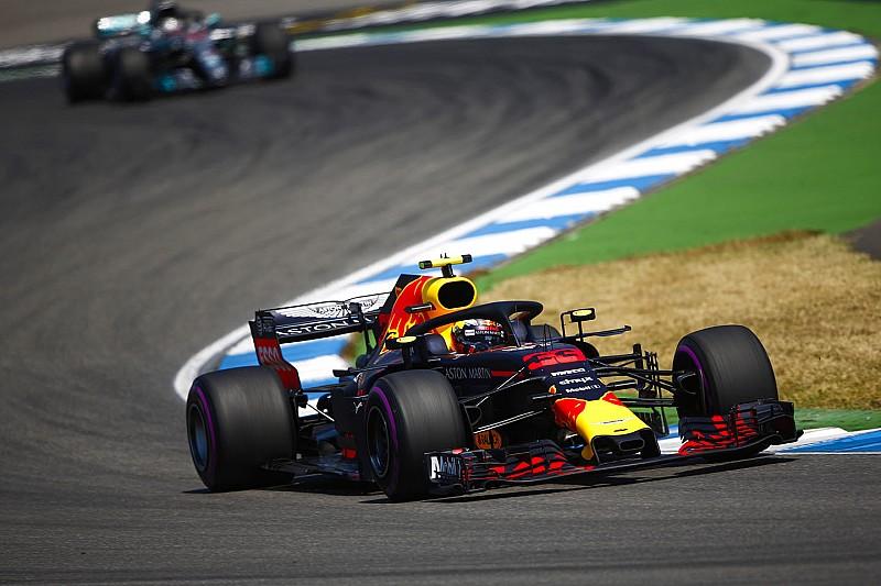 Verstappen verbetert baanrecord in tweede training GP van Duitsland