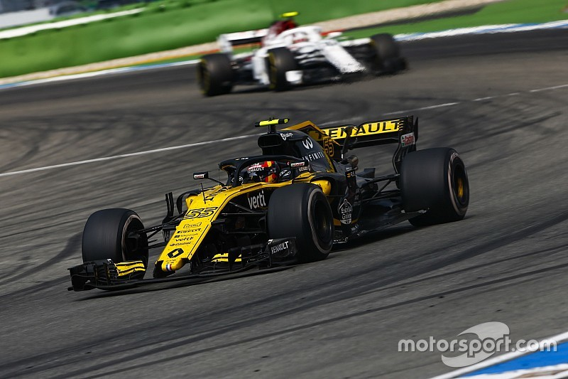 "Sainz explains ""very strange"" safety car incident"