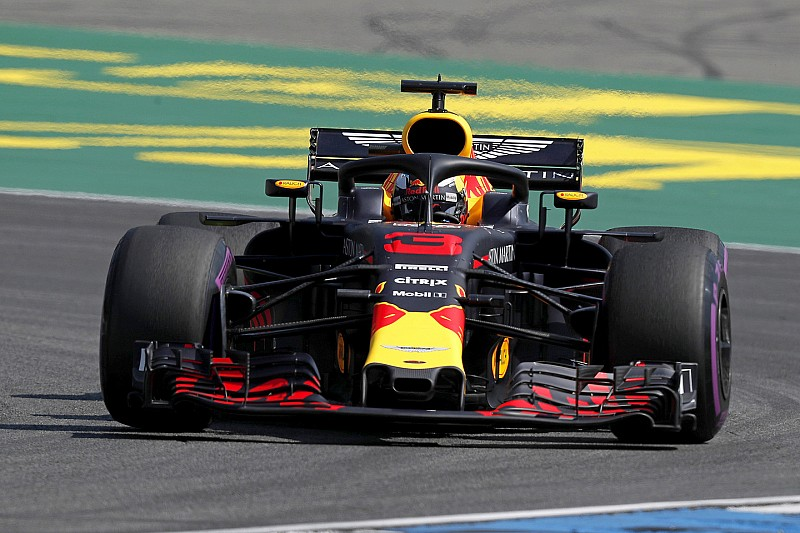 Red Bull empieza liderando el GP de Alemania y McLaren, con dudas