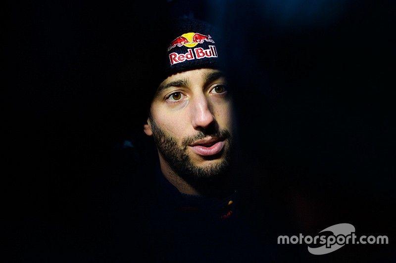 Ricciardo discutirá su nuevo contrato después de las primeras carreras