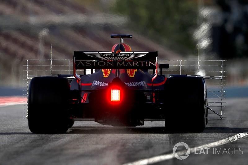 Red Bull: egy energiaital-gyártó nehezen lobbizhat a Pirellinél
